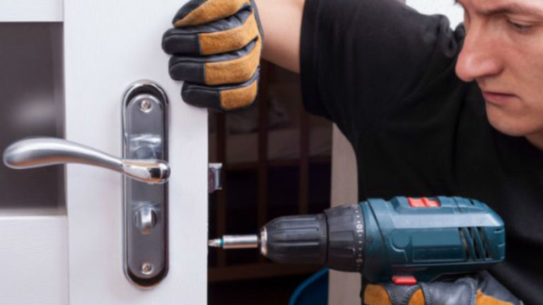 What is a Locksmith and What do Locksmith do?